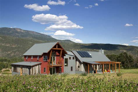 Farmhouse Com | greenline architects emma farmhouse