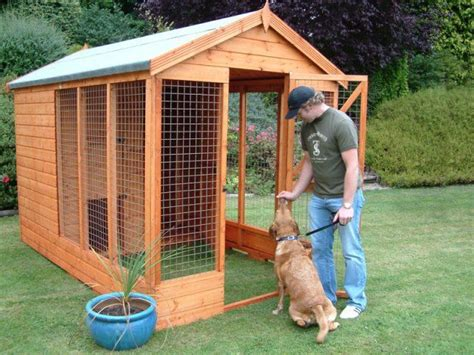 the dog house boarding kennels best 25 wooden dog kennels ideas on pinterest