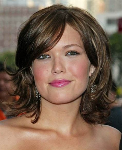 mature women hairstyles short layered women s hairstyle tips for layered bob hairstyles
