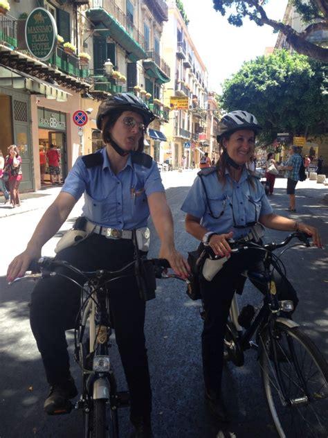 arrivano i vigili urbani in bicicletta mobilita palermo