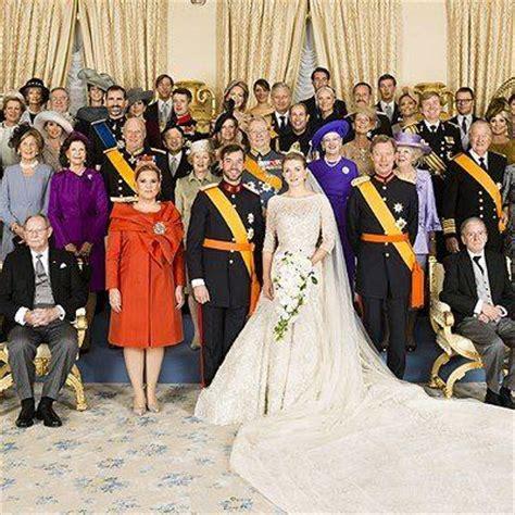 A Family Photo Of The Royal Family Arabia Weddings