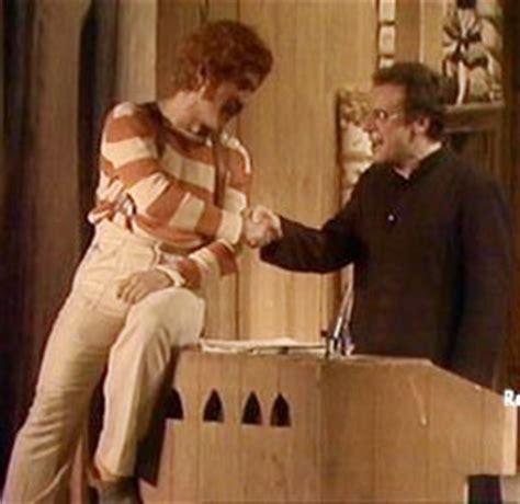aggiungi un posto a tavola clementina aggiungi un posto a tavola spettacolo musical www