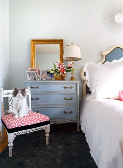 Bedroom Bureau Decorating by 10 Ideas About Bedroom Dresser Styling On