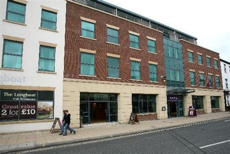 premier inn st 301 moved permanently