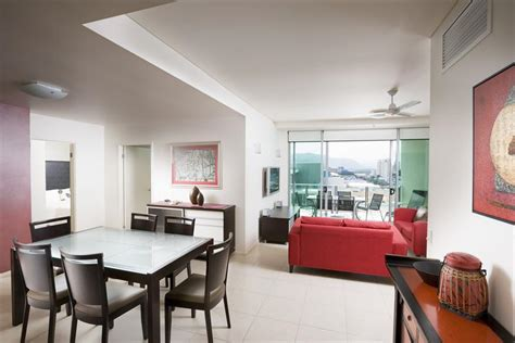3 bedroom apartments cairns cairns apartments mantra trilogy cairns esplanade