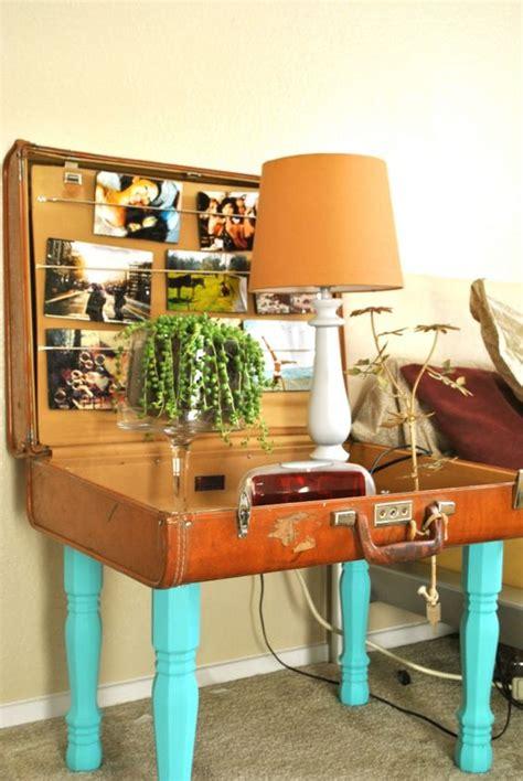 comodino fai da te comodino fai da te con vecchia valigia ecco 20 idee