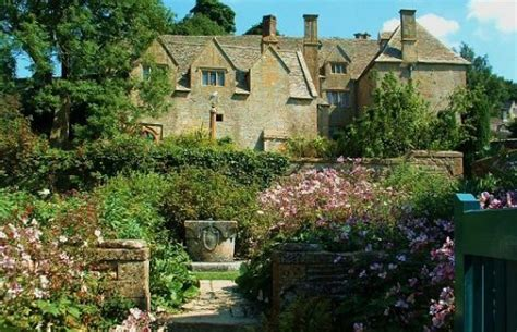 Gardenia Manor Snowshill Manor Gardens Places To Stay Great