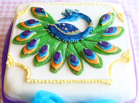 Peacock Feather Cake Decorations by Pin Elephant Circus Cake Decorated Cakes Cake On