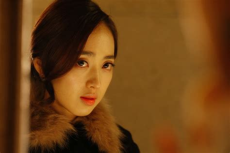 film korea queen of the night added new stills for the upcoming korean movie quot queen of
