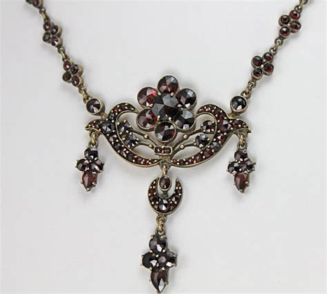 Kalung Boho Segitiga Ruby 35 Ct 121 best images about ruby and garnett on