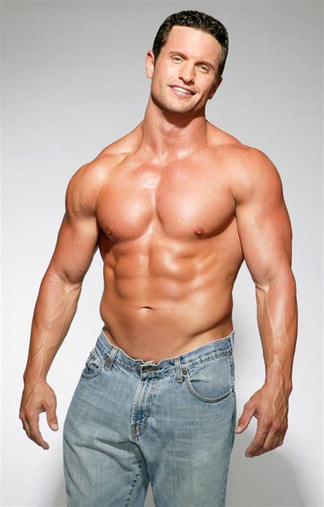 women   skinny guys   include muscular