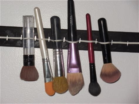 Diy Makeup Brush Drying Rack by Diy Makeup Brush Drying Rack Dollface By Jules