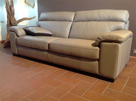 divani in vera pelle divano in vera pelle divani a prezzi scontati