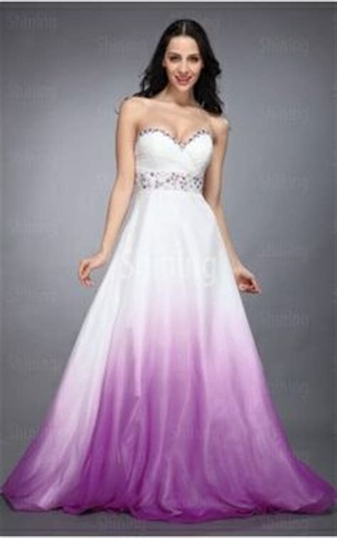 Dip Dye Wedding Dress – Dip dyed, colorful wedding dresses are the new bridal