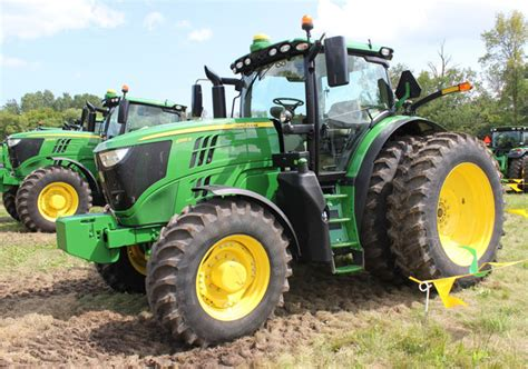 new john deere combine developments for 2015 2015 john deere tractor lineup unveiled