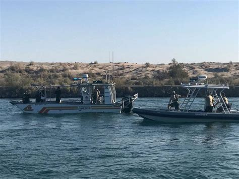 boat crash colorado river 2018 body of 1 of 4 people missing after california boating