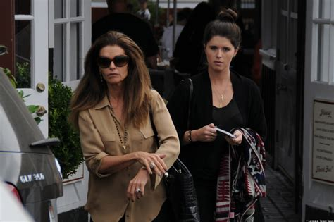 maria shriver wears wedding ring is she taking arnold