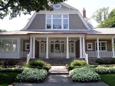 gambrel roof homes 25 best ideas about shingle style homes on pinterest