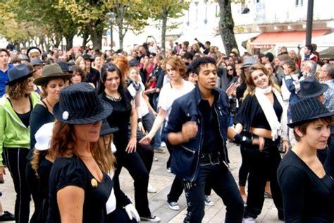 tutorial flash mob beat it flash mob la rochelle beat it mindalicious