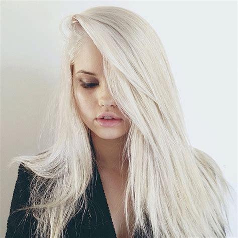 blonde hairstyles instagram debby ryan straight platinum blonde side part hairstyle