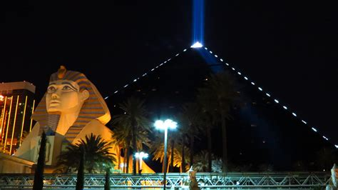 luxor casino resort ancient egypt luxury   heart