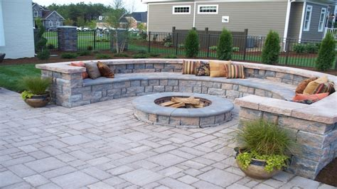 Do It Yourself Paver Patio Backyard Pavers Paver Patio With Retaining Wall Block Do It Yourself Patio Pavers Interior