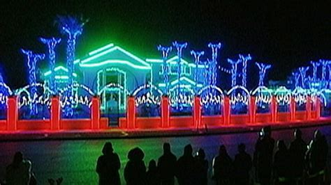 christmas lights wars video abc news