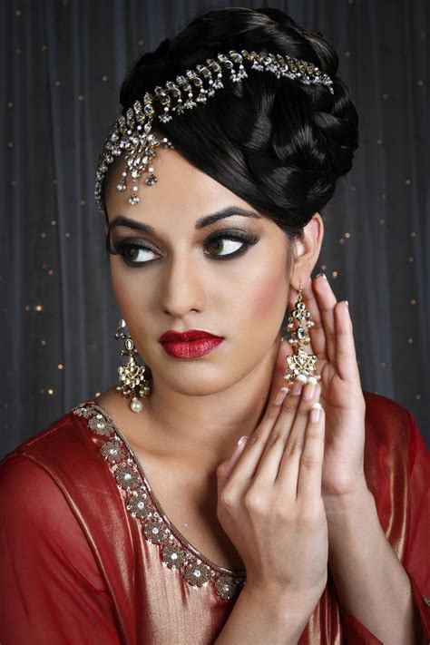 raveen with contemporary 2013 hairstyle and makeup for the