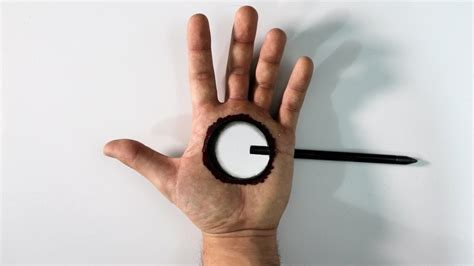 ilusiones opticas hechas a mano ilusi 243 n 211 ptica agujero en la mano muy f 193 cil especial