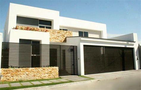 Garage Door Design Ideas fachadas de casas modernas con herreria pinteres