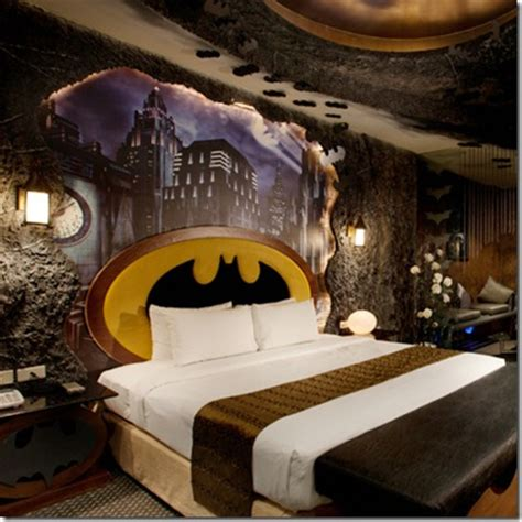 theme hotel video batman themed hotel vuing com
