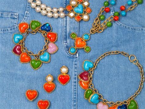 chanel 50 ans de bijoux exposition et vente aux ench 232 res drouot frivole