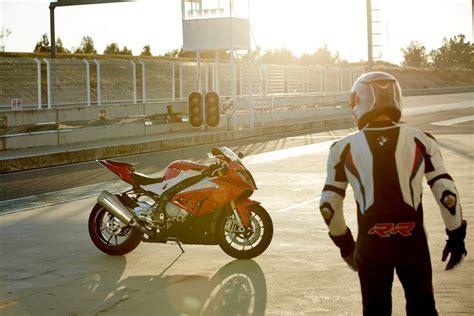 Bmw Motorrad 200 Ps by Supersportler Mit 200 Ps Wie Viel Motorrad Braucht Der