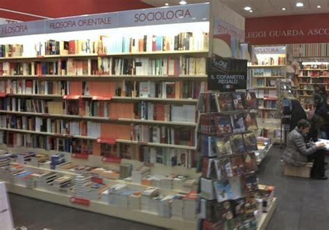 libreria mondadori cola di rienzo riccardo gentile come un direttore racconta la sua libreria
