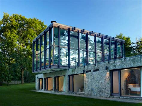 philip johnson s wiley house hits the market for 12