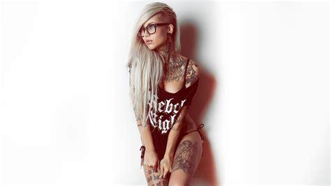tattoo on girl wallpaper hot tattoo girl with specs hdwallpaperfx
