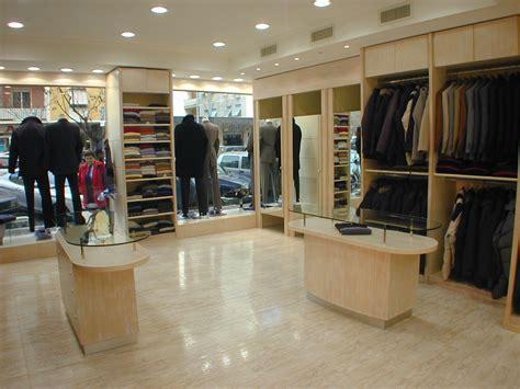 arredamenti per negozi di abbigliamento 18 arredamento per negozio di abbigliamento uomo classico