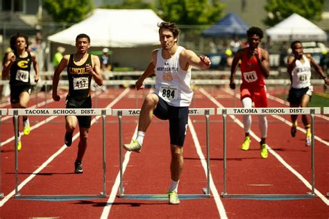 hurdles basketball photos from the 2017 washington state track and field meet
