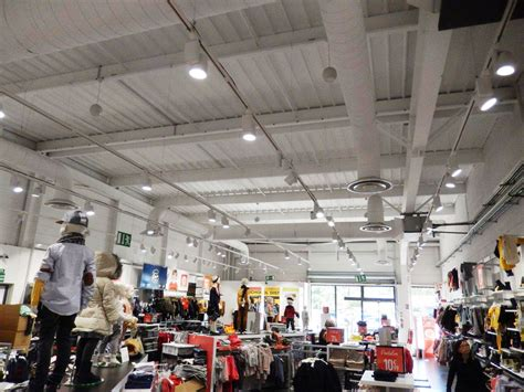 led lights for retail shops retail stores lighting led lights for shopping upshine