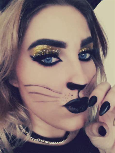 cat makeup lipstick in cat makeup