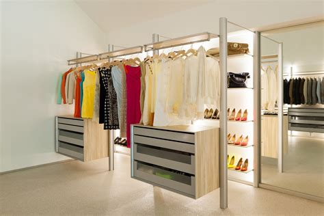Extremely Versatile Walk in Closet: DRESSWALL by
