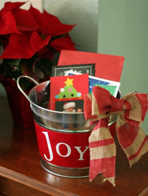 diy christmas joy bucket  burlap bow   takes