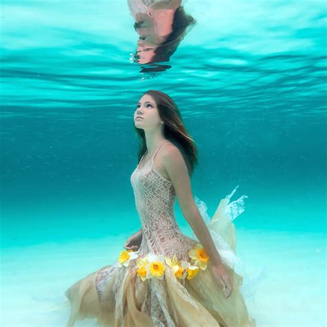 imagenes mujeres nadando photographer captures her daughter s connection to the sea