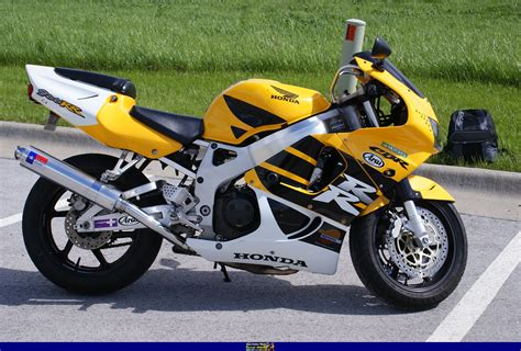 honda cbr 900 rr 1999 honda cbr900rr moto zombdrive com