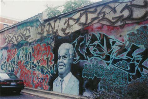 explore chicago graffiti