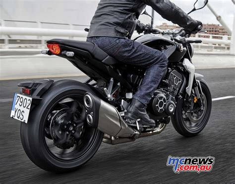 honda cb 1000 2018 honda cb1000r arriving this month at 16 499 mcnews