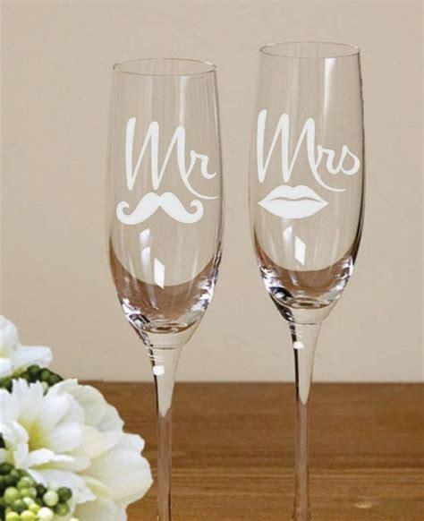 braut mit brille 25 best ideas about wedding toasting glasses on pinterest