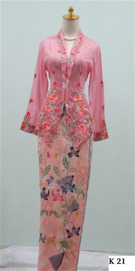 lynn salim fashion kain sarung kebaya kain bawahan k ada pelbagai corak dan warna sangat