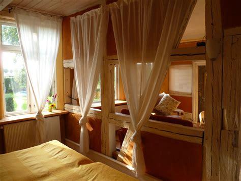schlafen zimmer möbel ferienwohnung im gutshaus schependorf mecklenburg