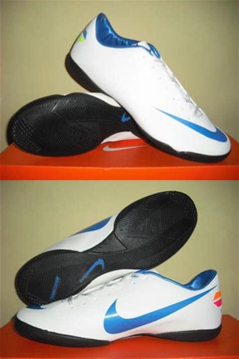 Sepatu Badminton Adidas Quickforce 5 1 2018 Sepatu Bulutangkis Adidas chelsea sport uthe sepatu futsal nike mercurial adidas replica 2012